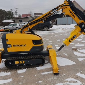Precise demolition with BROKK robots
